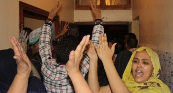 """Observadores españoles actúan de """"escudos humanos"""" en el retorno de activistas saharauis participantes en la Conferencia Internacional de Argel"""